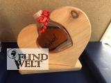 Herz aus Zirbenholz und Zirbenschnaps